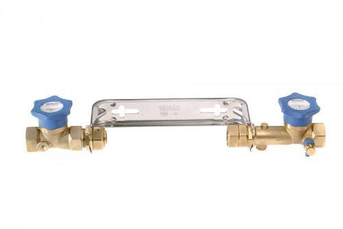 Water meter installation set with QUICKTURN valves