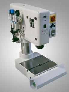 Säulennietmaschine - Radial Punktnietmaschine
