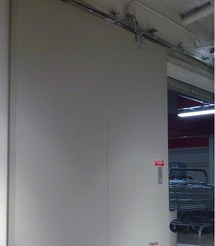 Porte coulissante métallique