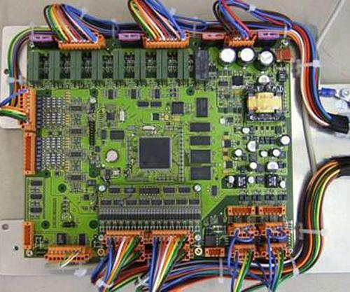 Elektronik-Baugruppen und Gerätemontage