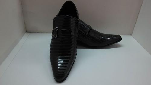 Chaussures en cuir pointu