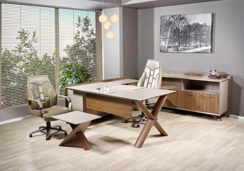 Wino executive desk