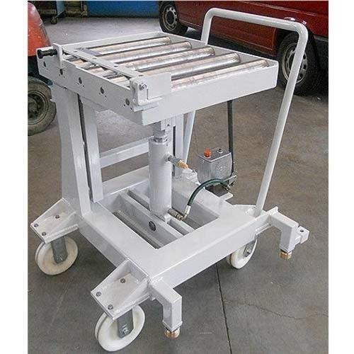 Kompakter Werkzeugwechselwagen