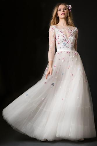 Maßgeschneiderte Brautkleider und Brautmode