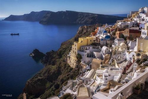 Tailor-made tours in Santorini