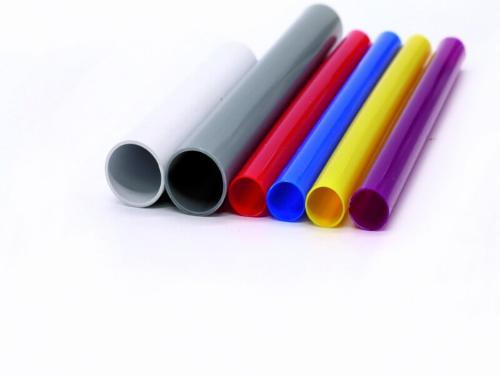 estrusione di tubi in plastica