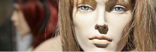 mannequin de vitrine femme réaliste