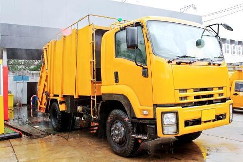 Nettoyage professionnel de vos camions à Orange