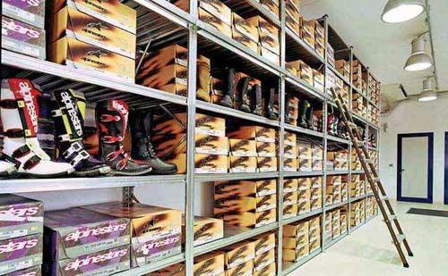 Rayonnage pour magasins par Setam Projet