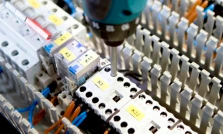 Elektronikmontage und -installation