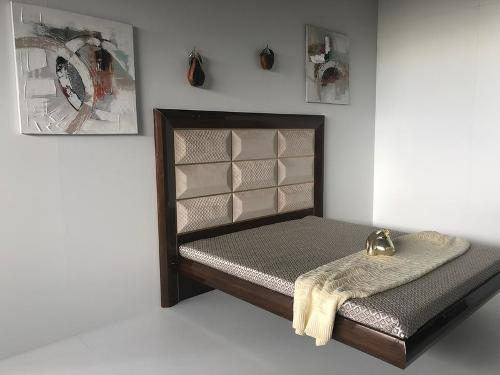 "The soaring bed ""Prima"""