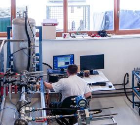 DAkkS Durchflusskalibrierung für Flüssigkeiten und Gase