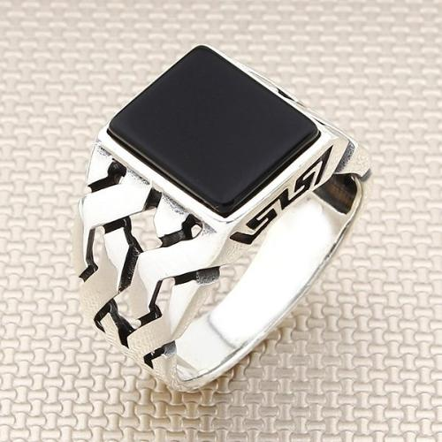 925 sterling silver ring with onyx