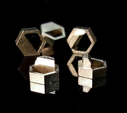 Black Box Polarizing Keys