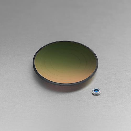 Präzisionsblankgepresste Glasoptiken für Infrarot
