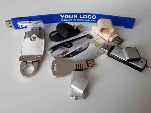 Pamięci USB / Kartonowe opakowania do USB