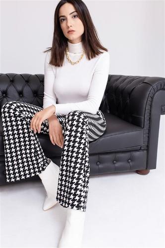 Woman Black Crowbar Patterned Spanish Leg Trouser