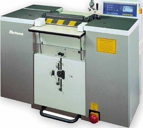 NAF470G Gummispaltmaschine