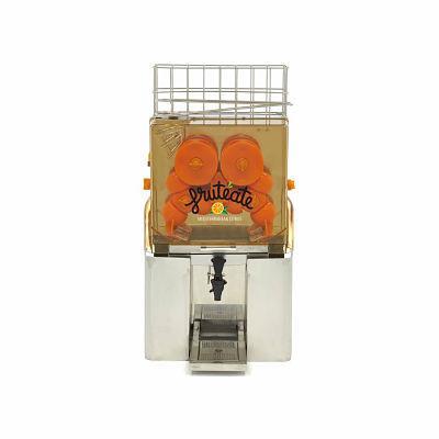 Exprimidor de naranjas automático con grifo