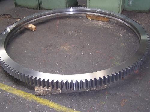 Slewing rings
