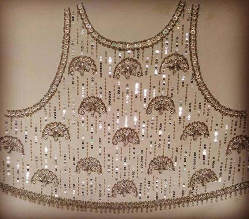 Abiti da sera - lavori di ricamo Haute Couture