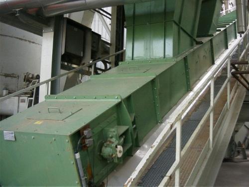 Trough chain conveyor