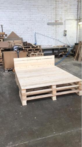 Letto di legno