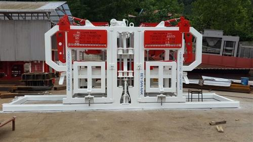 SEMI AUTOMATIC PAVING BLOCK MACHINE