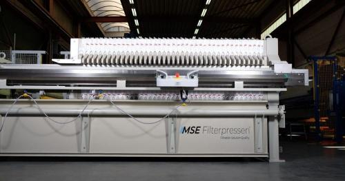 Semi-automatic filter press