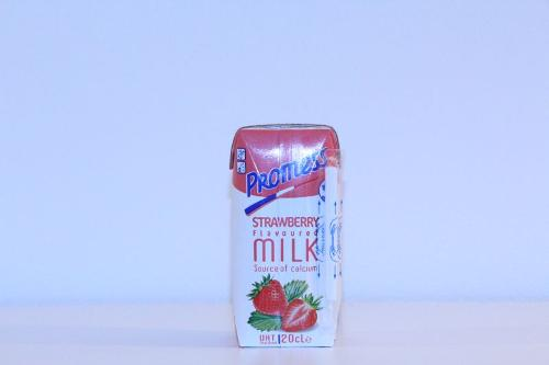 Promess Strawberry flavoured Milk 20 cl