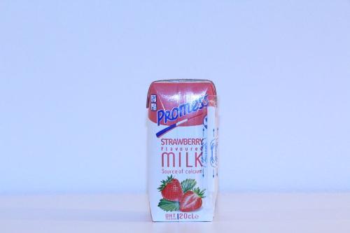 Promess Strawberry flavoured Milk 20 cl