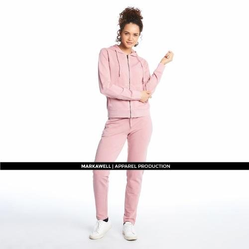 WOMAN SWEATSUIT
