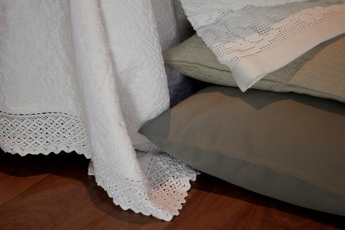 Colcha algodón con crochet