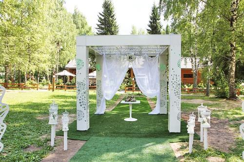 Pavilion «Romanov les»