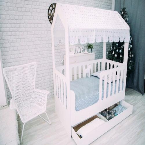 Кроватка - домик с ящиком