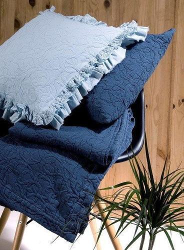 Almofadas decorativas e colchas