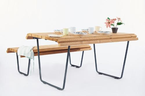 Set of 3 products City life table, bench without backrest, bench with backrest
