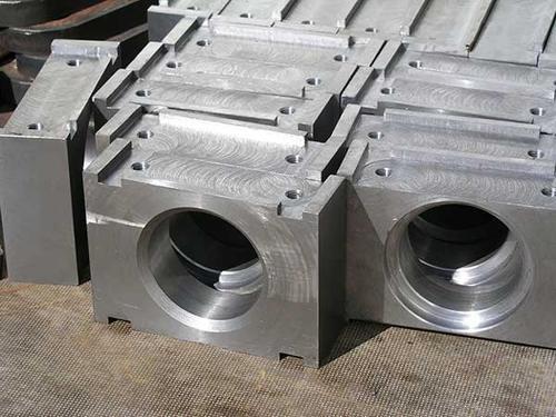 Skärning av tjocka plattor med gas med CNC-styrning
