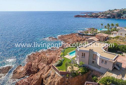 Anthéor modern waterfront villa 25 km from Cannes