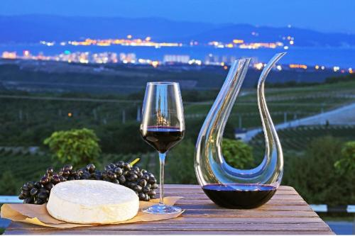Wine tour. Southern routes of Russia-7 Days/6 Nights
