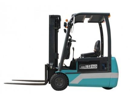 Chariot élévateur Electrique 1,5 T TRIPLEX 4500 mm
