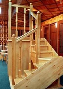Комплектующие для деревянных лестниц.