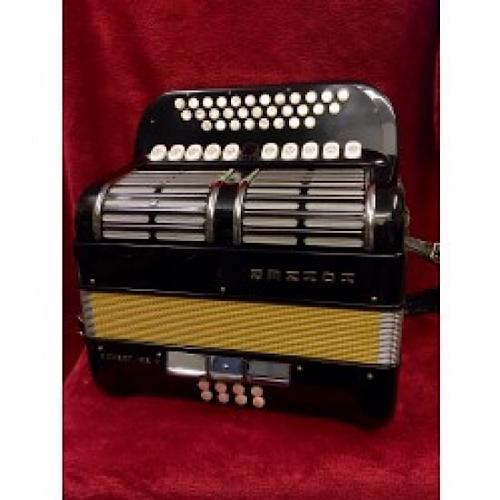 HOHNER OVERTURE 2 1/2 ROW CLUB BUTTON ACCORDION C/F