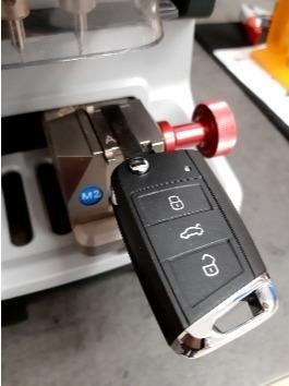 Taglio chiave auto