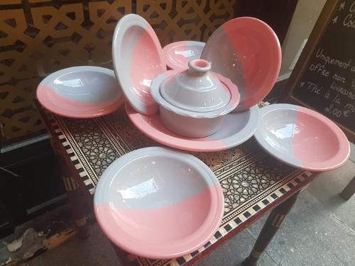 Service à couscous bicolore rose & gris-6 pers