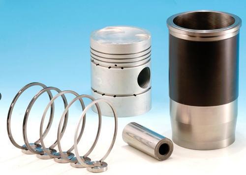 Zylinderköpfe, Ventilkörbe, Einspritzpumpen und Einspritzkomponenten