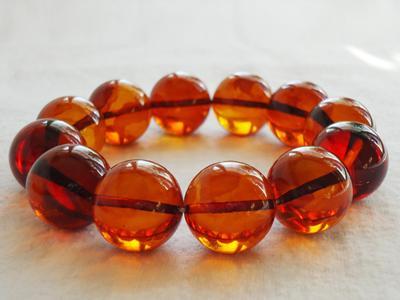 Cognac, Amber bracelets
