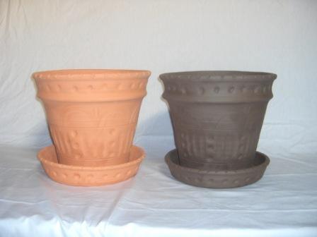 Vasos em terracota e barro preto