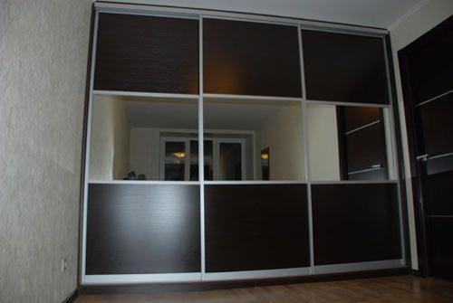 Шкаф-купе 3 фасада ДСП и зеркало