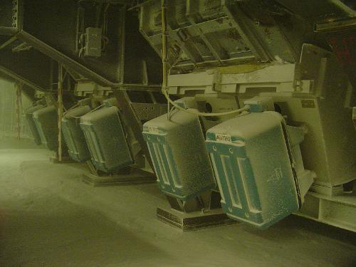 Hopper discharge unit - Discharging, feeding, conveying